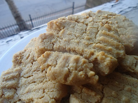 12 Days of Cookies, Day 5: The Classics-Chocolate Chip and PB - Eating ...