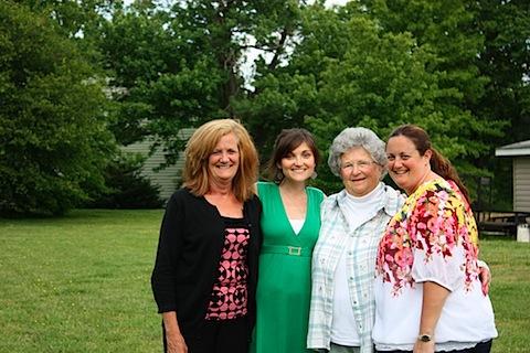 mom, me, nanny, sis.JPG