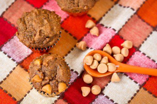 mini pumpkin muffin with butterscotch chips2.jpg