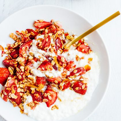 Roasted Strawberry Cottage Cheese Bowl