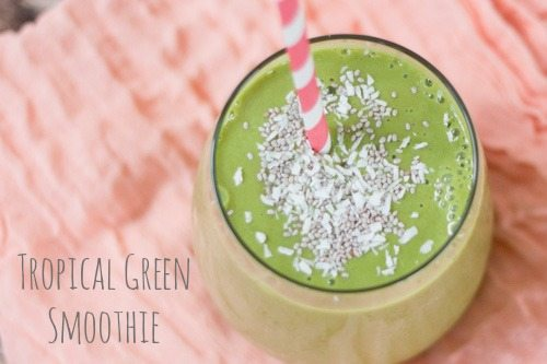 Tropical Green Smoothie // Eating Bird Food