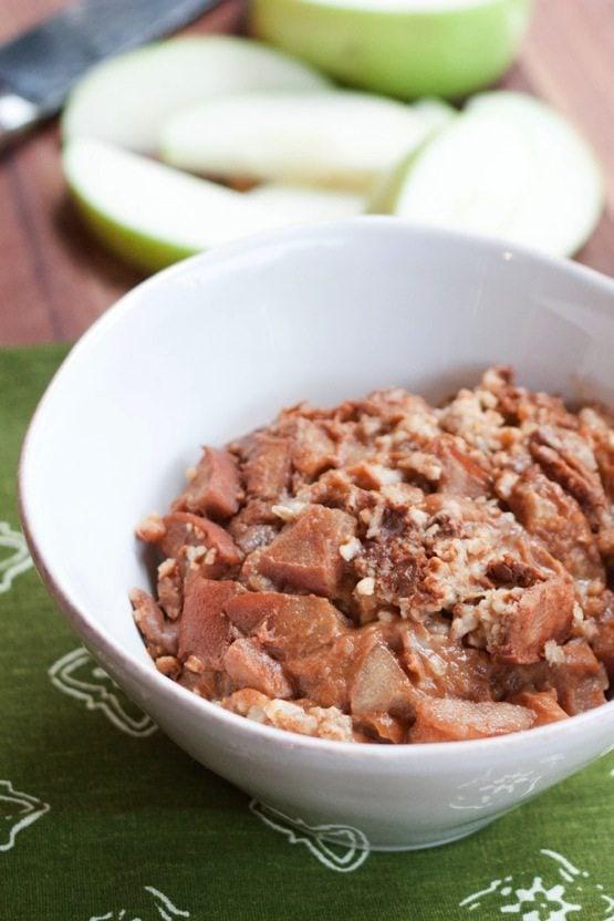 Slow Cooker Apple Cinnamon Steel-Cut Oatmeal