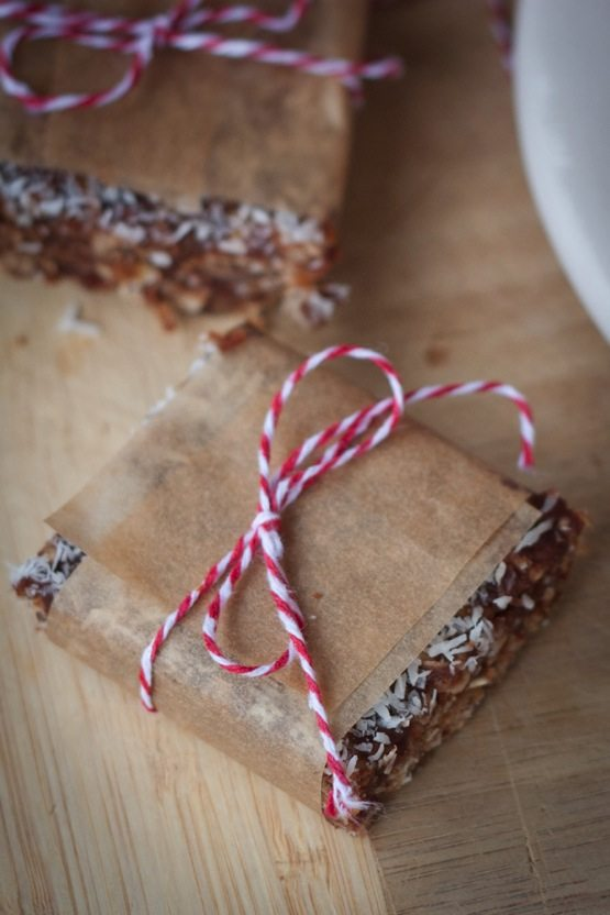 Healthy No Bake Coconut Bars