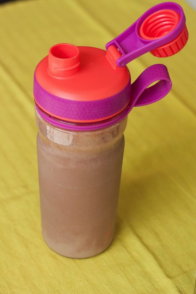New rubbermaid shaker bottle with a smoothie