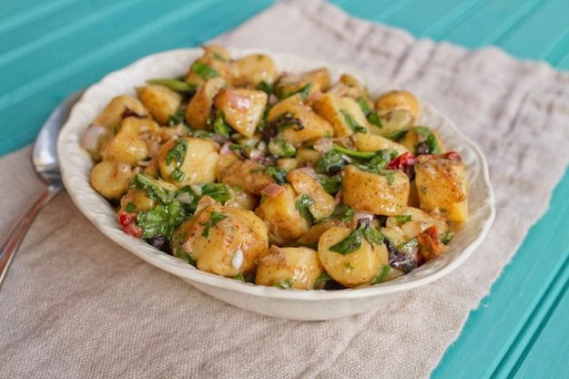 Healthy Fingerling Potato Salad with Shallots, Spinach and Sun-Dried Tomatoes