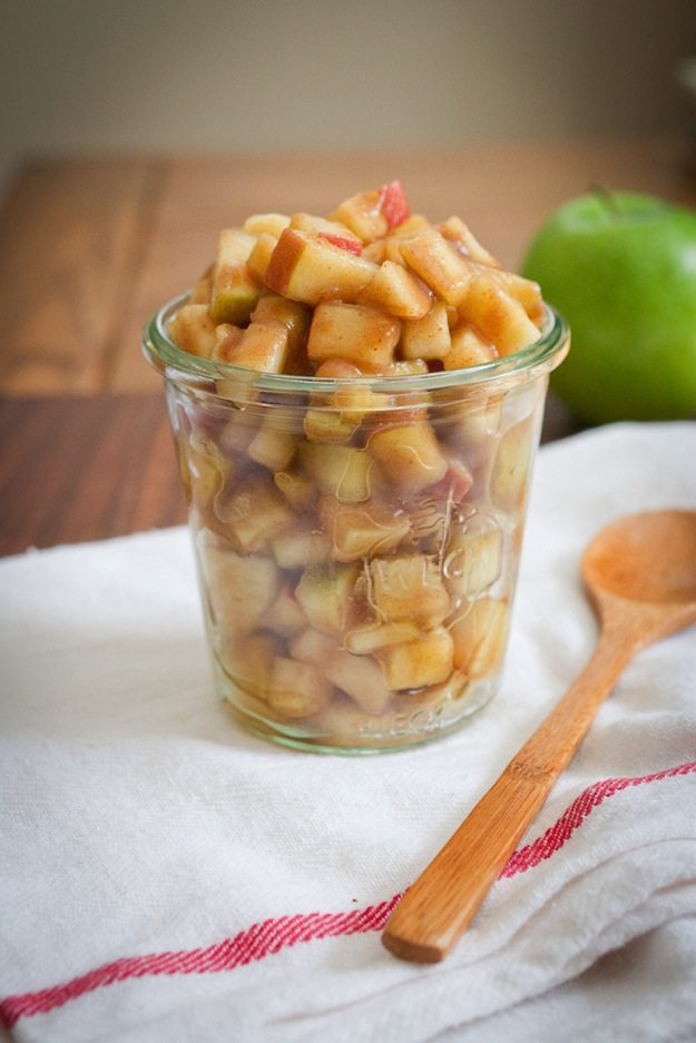 Raw Apple Pie Filling with Dates