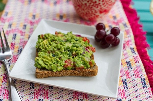 Simple and Healthy Breakfast Idea: Guacamole Toast with an Egg