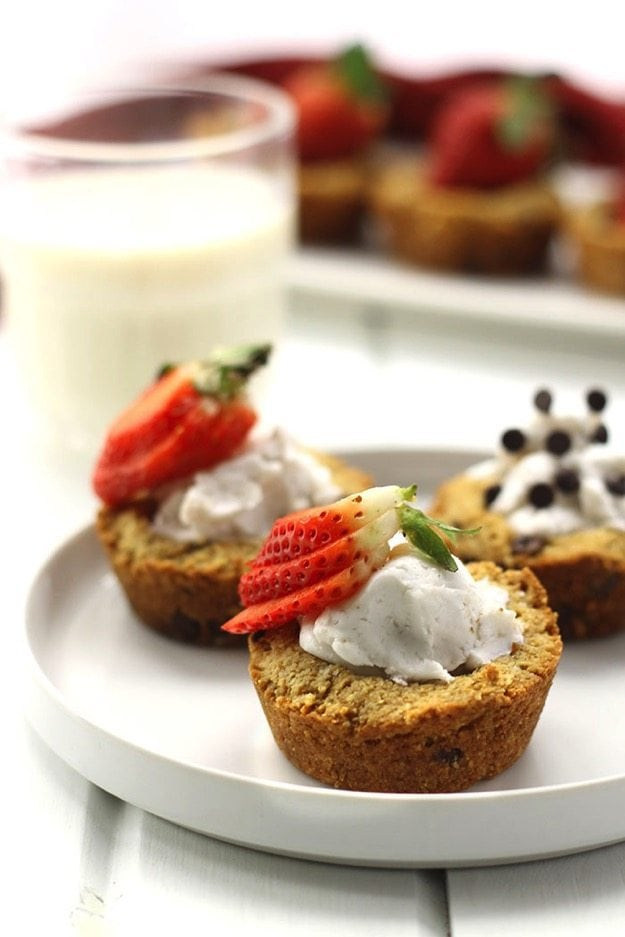Paleo Chocolate Chip Cookie Cups