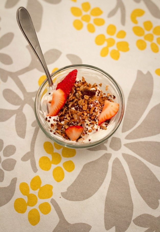 greek yogurt with berries and cereal