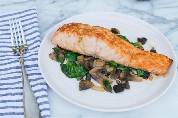 Maple Soy Broiled Salmon // quick, easy and delicious