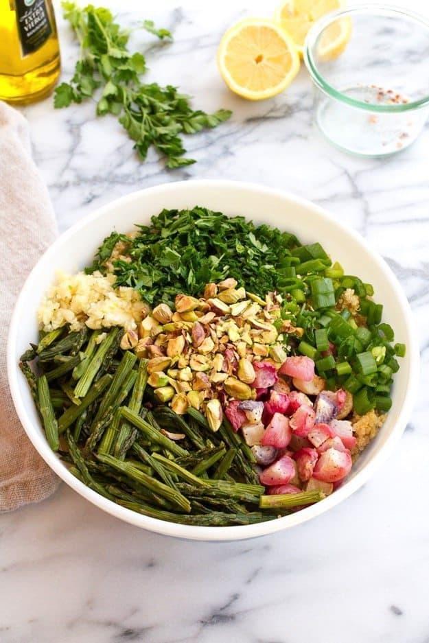 Fresh and Flavorful Spring Quinoa Salad #vegan #glutenfree