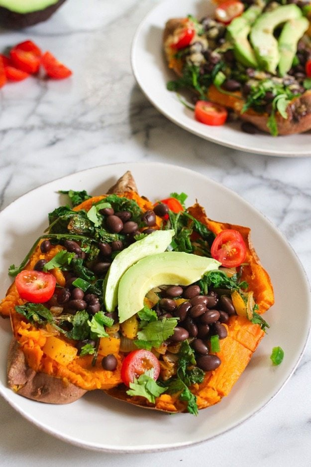 Mexicali Stuffed Sweet Potato -- loaded with protein, healthy fat and fiber #vegan #glutenfree
