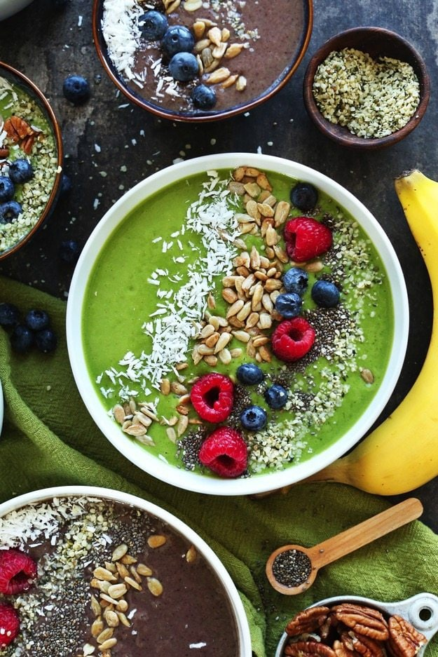 AMAZING Green Smoothie Bowls Change the color with shade of berry The BEST way to make a smoothie a meal vegan glutenfree