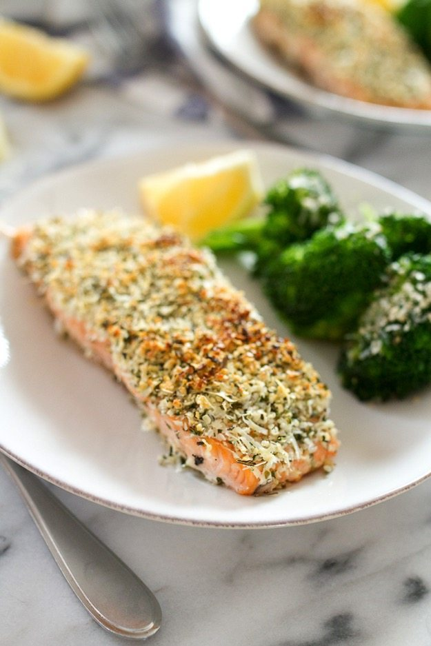 Quick and Easy Hemp and Pecorino Crusted Salmon // You'll love the crispy texture from the Hemp Heart topping and the salty flavor from the pecorino cheese.