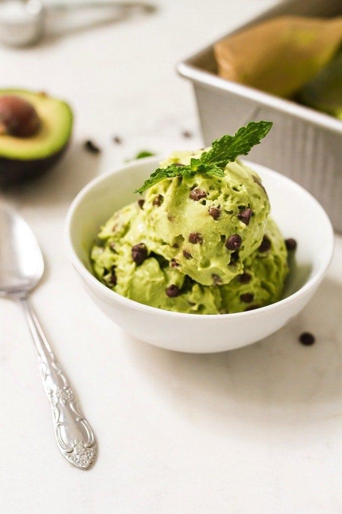 Mint Chocolate Cado Cream // Mint Chocolate Chip Avocado Ice Cream ...
