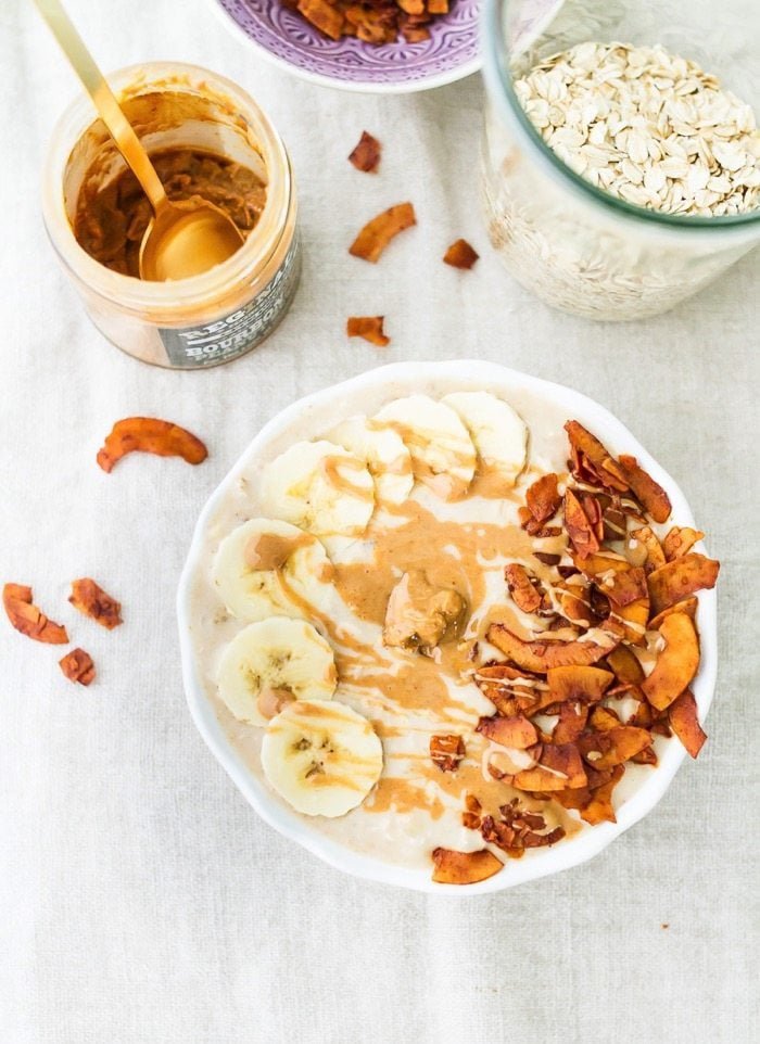 Elvis Overnight Oats with Peanut Butter, Banana and Coconut Bacon #vegan #glutenfree
