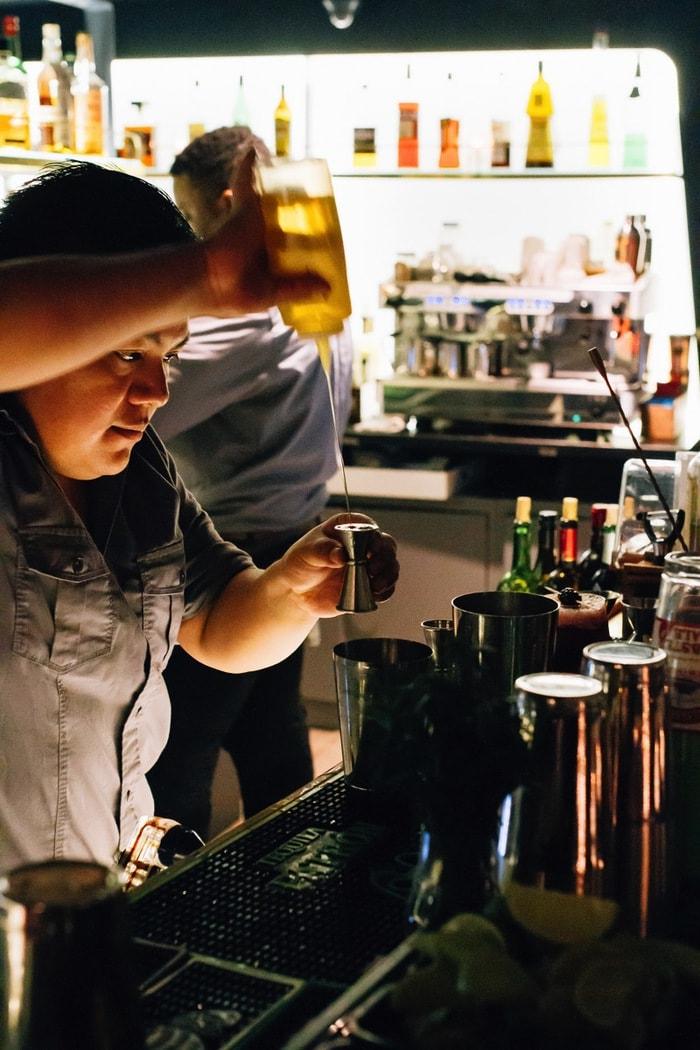 Fish Bar Pier 81 Bar Scene