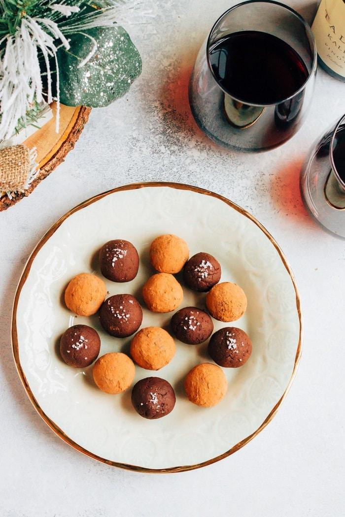 4-Ingredient Chocolate Avocado Truffles // Rich, creamy and so delicious. #vegan #glutenfree
