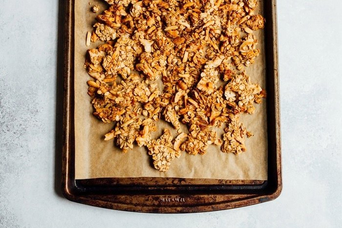 Chunky Almond Coconut Granola that Clumps! No egg whites or loads of sugar needed.
