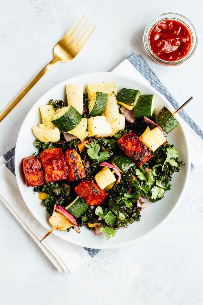 BBQ TEMPEH SKEWER SALAD // You'll love this plant-based grilling recipe where nutty tempeh is coated in homemade BBQ sauce and grilled to perfection with zucchini, summer squash and red onion.