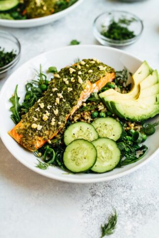 Pesto Salmon Green Goodness Bowl