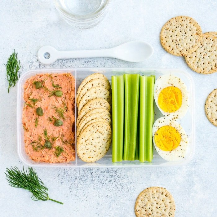 PACKABLE LUNCH IDEA: Smoked Salmon Dip with a hard boiled egg, crackers and celery.