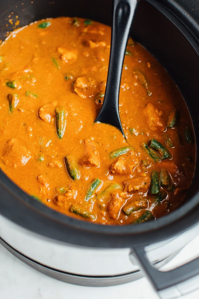 Lightened up dairy-free butter chicken in the slow cooker.