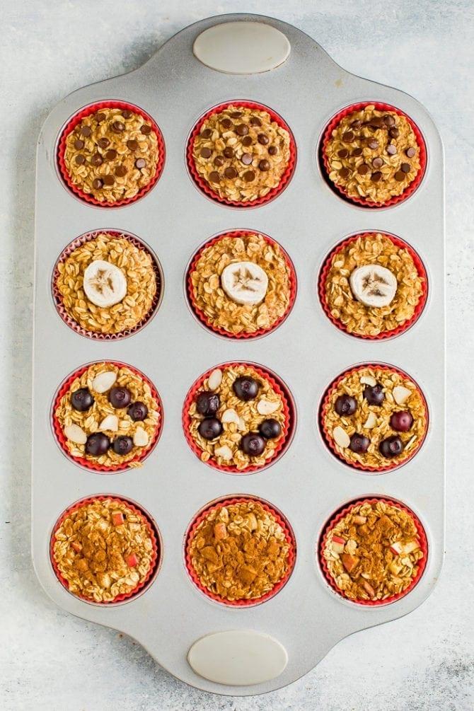 قالب الكعك مع أكواب الشوفان المخبوزة 4 طرق.