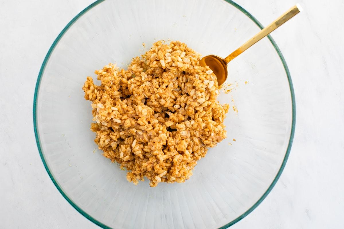 Bowl of rice krispie mixture.