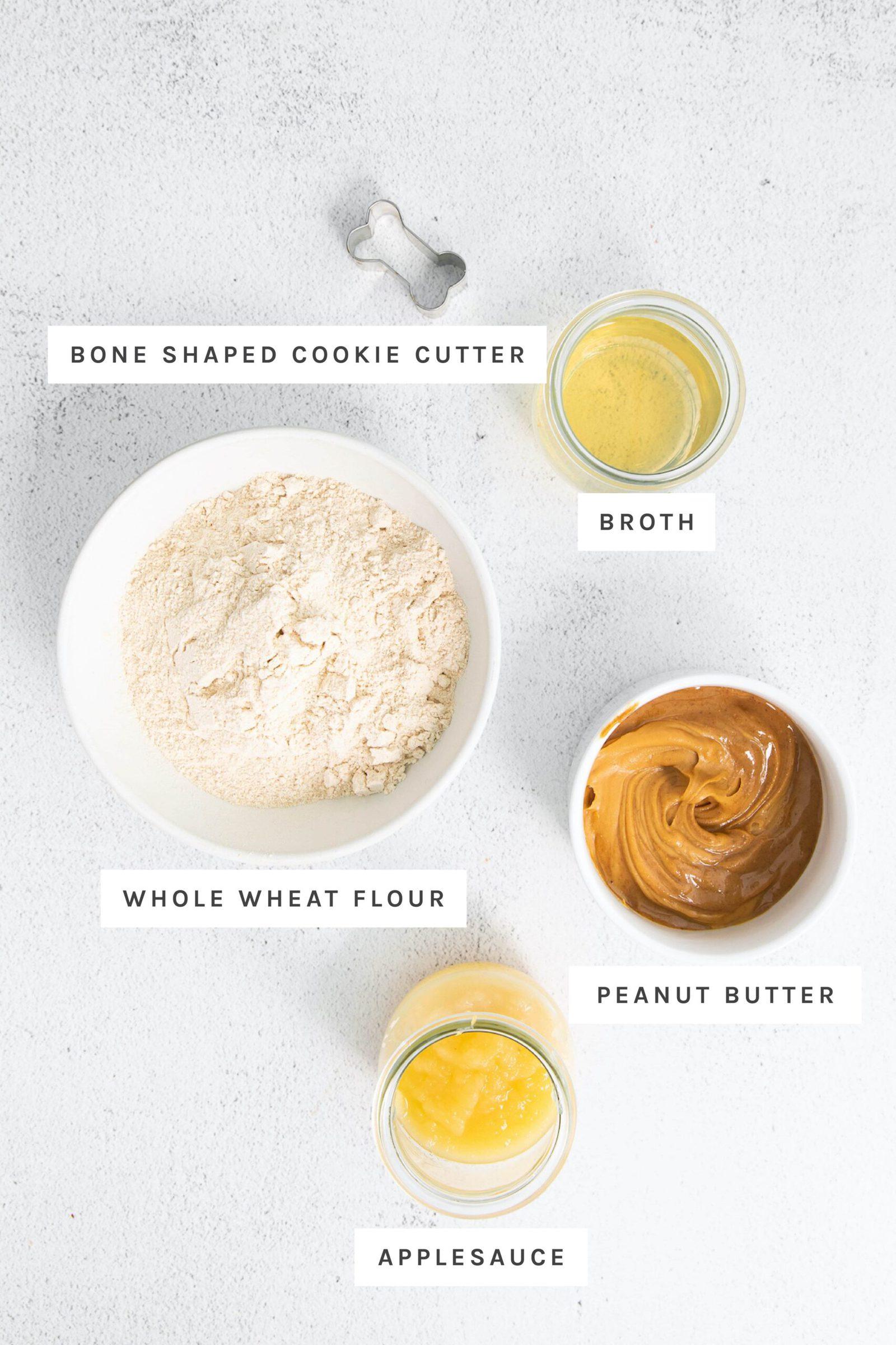 قطاعة البسكويت والمرق ودقيق القمح وزبدة الفول السوداني وعصير التفاح تقاس في أوعية.