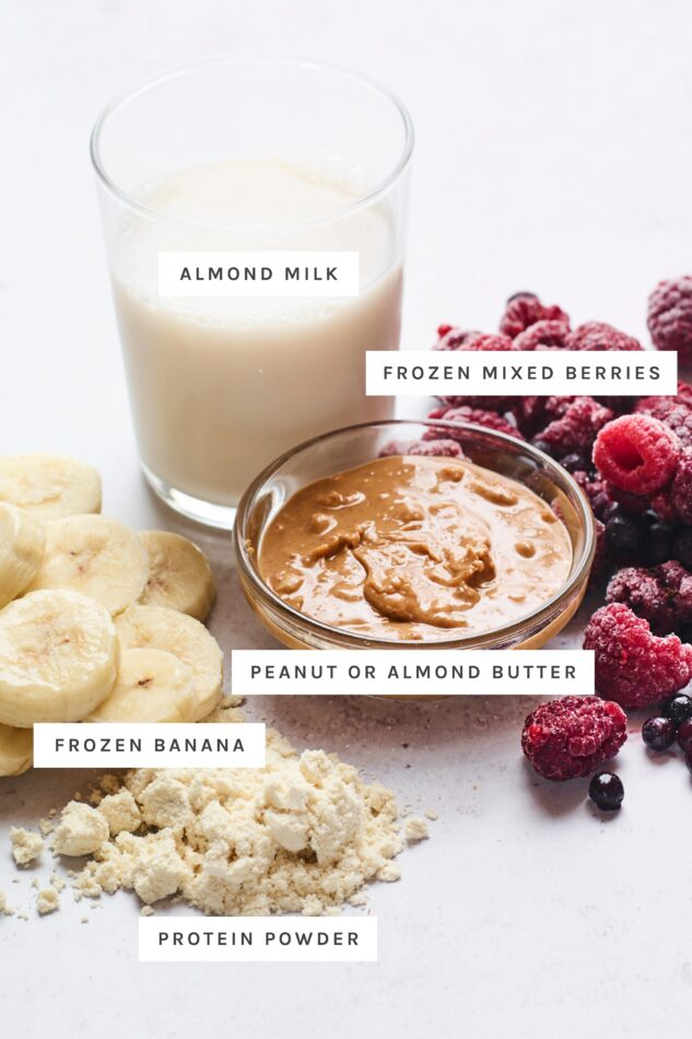 Ingredients for a smoothie bowl with labels.